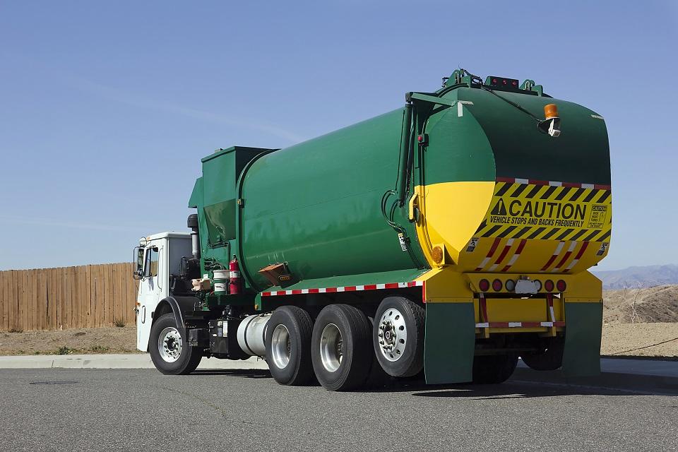 Camion-déchets-retaillée